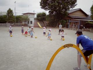 サッカー教室と園外保育♪