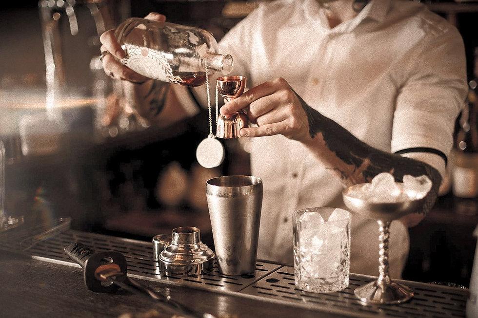 become-bartender_edited.jpg