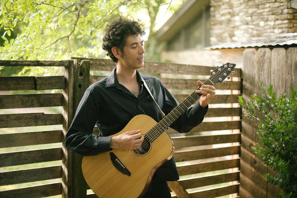 Amir Neubach Guitarist and Singer