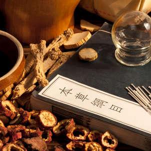 Féminin Bio a testé l'acupuncture esthétique du Dr. ERAUD