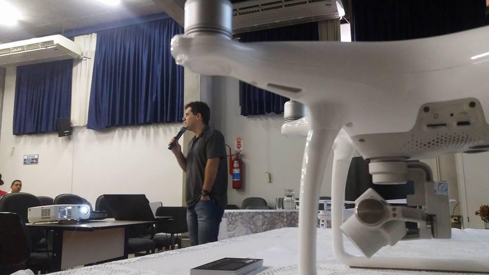 """Seminário """"Drones e Aplicações"""""""