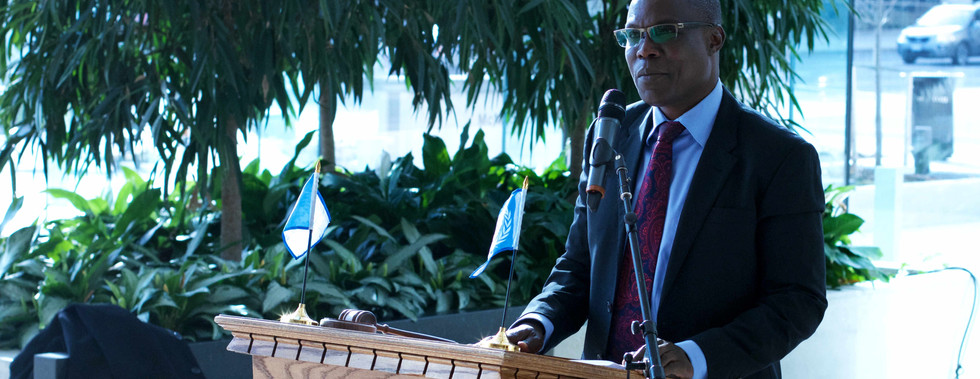 Alfred Orono giving a speech at the MACMUN 2016 closing ceremonies