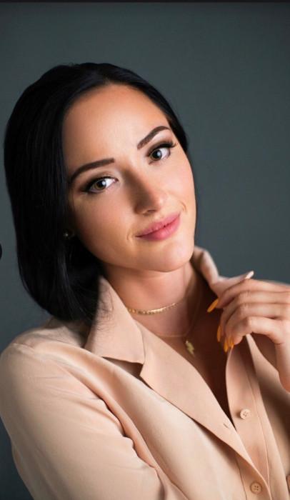 Lola Bulatova