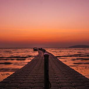 Floating pier.