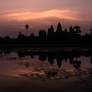 Cliche photo of Angkor Wat.