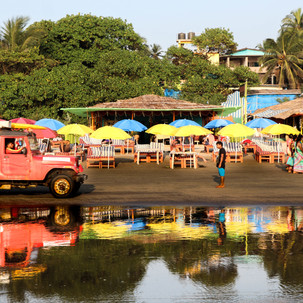 Daily mirroring in Arambol beach.