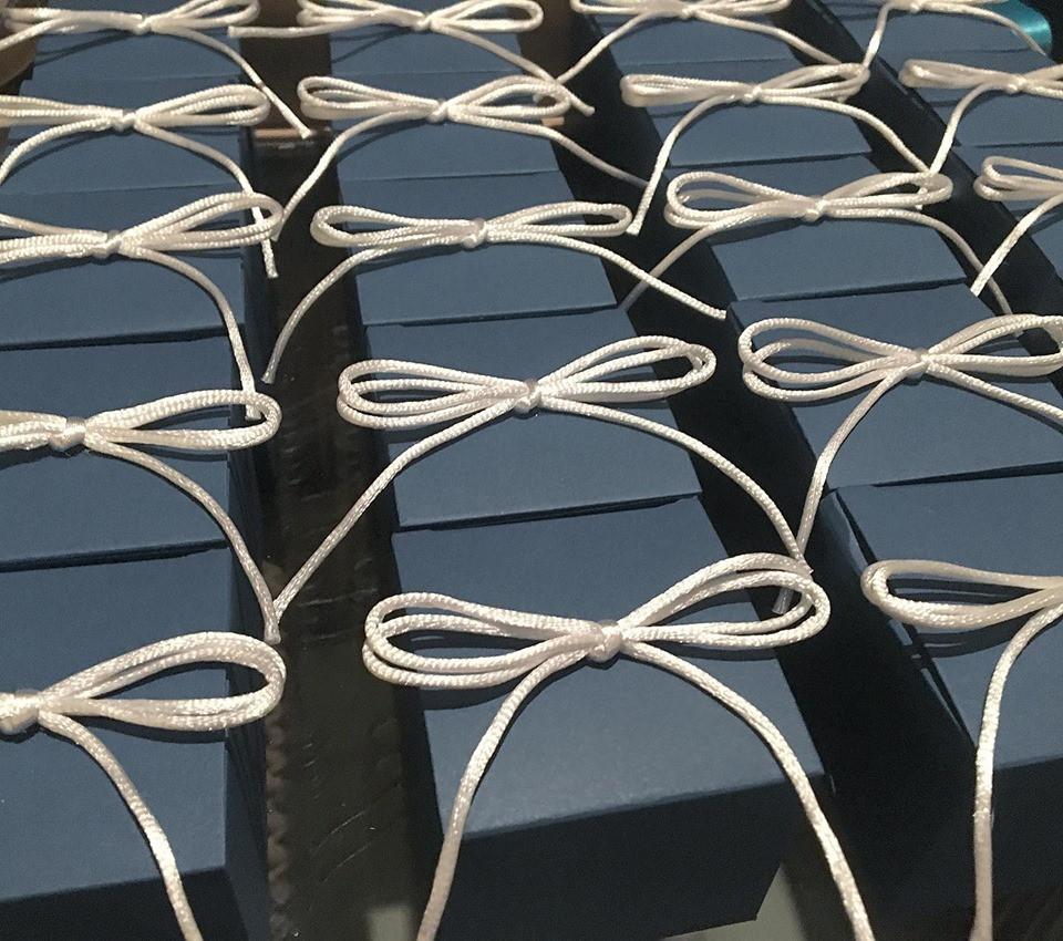 caixinha básica com cordão de seda