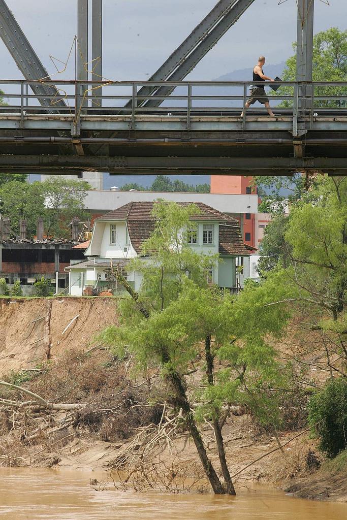 Blumenau, enchentes e SC, 2008