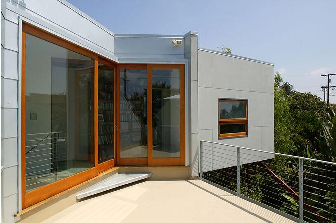 elevated-house_7.jpg
