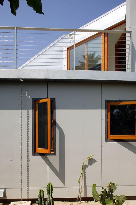 elevated-house_3.jpg