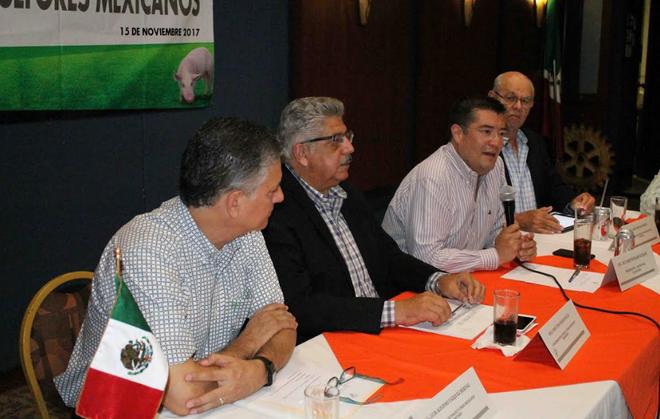 Anuncia Álvaro Ruelas creación de nueva oficina de Convenciones y Negocios en la Sría. Economía de A