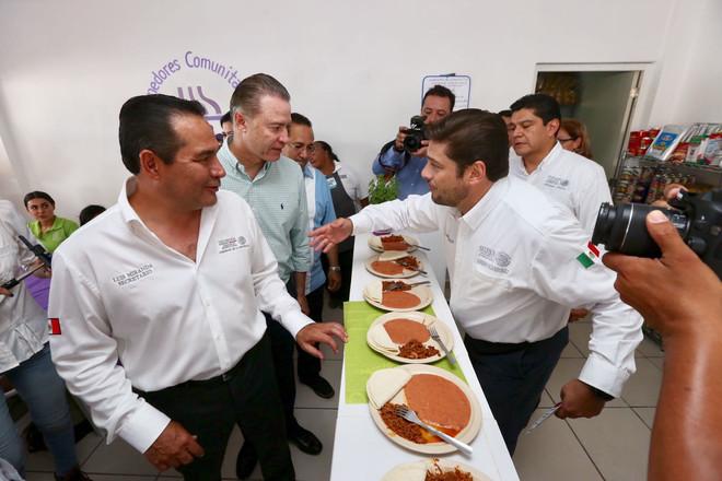 Inauguran 32 comedores comunitarios en todo Sinaloa