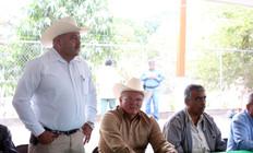 SUPERVISA RADAMÉS VÉLIZ OBRAS DE  PAVIMENTACIÓN EN MAQUIPO Y BACUBIRITO