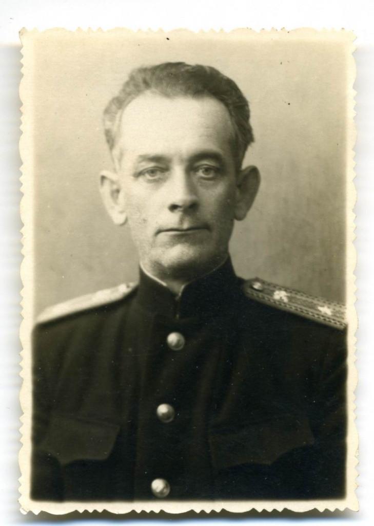 Начальник Цимлянского порта Федор Янин, 50-е годы. Фотография из фондов Волгодонского эколого-исторического музея.