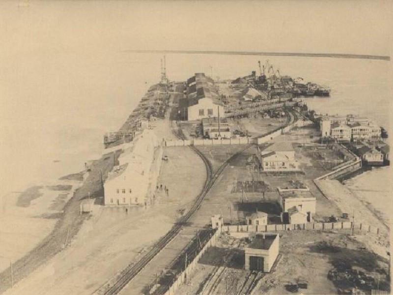 Цимлянский (Волгодонской) порт в 1955 году. Фотография из фондов Волгодонского эколого-исторического музея.