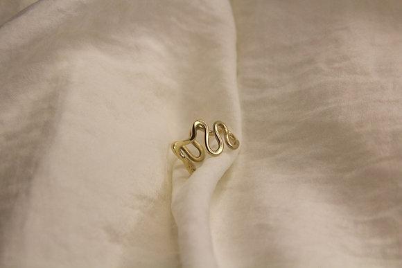 9ct Gold Custom River Ring