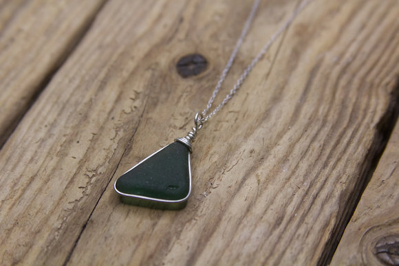 Dark Green Wrap Necklace