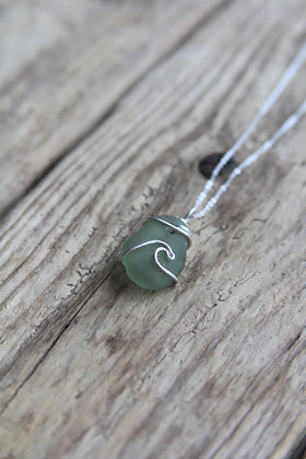 Soft Green Signature Wave Necklace
