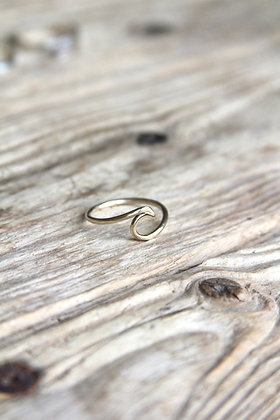9ct Recycled Gold Wave Ring