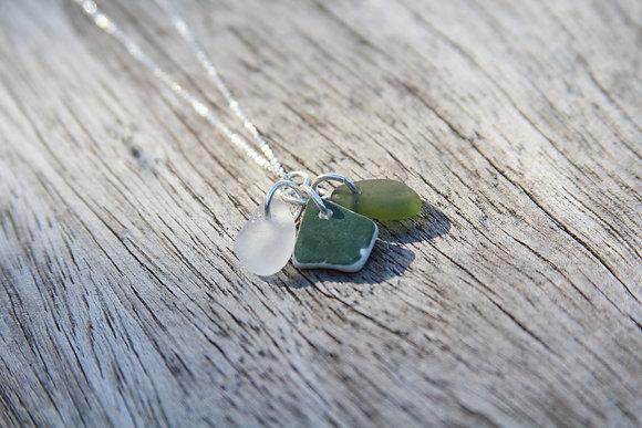 Dark Green Cluster Necklace