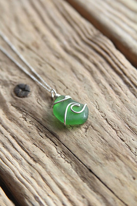 Green Signature Wave Necklace