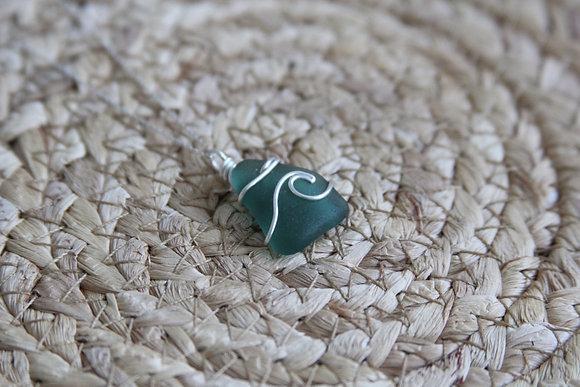 Dark Seafoam Signature Wave Necklace