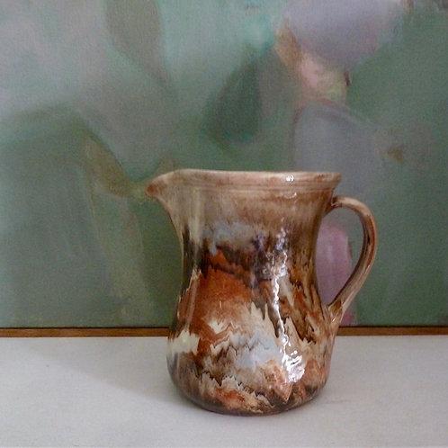 Small marbled jug