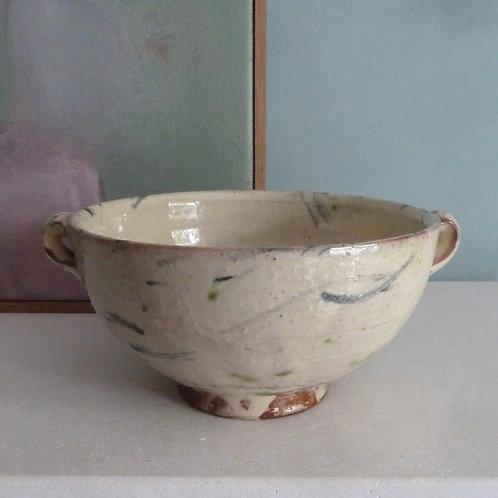 Lugged bowl