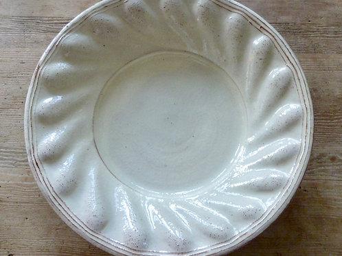Very large scalloped plate