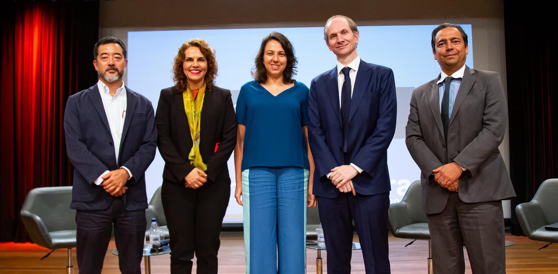 Participantes Mesa 02 - Regulação e Modelagem. Helcio Tokeshi, ana Beatriz Monteiro, Karla Bertocco , Alessandro Horta, Dimmi Amora. [da esquerda para a direita]