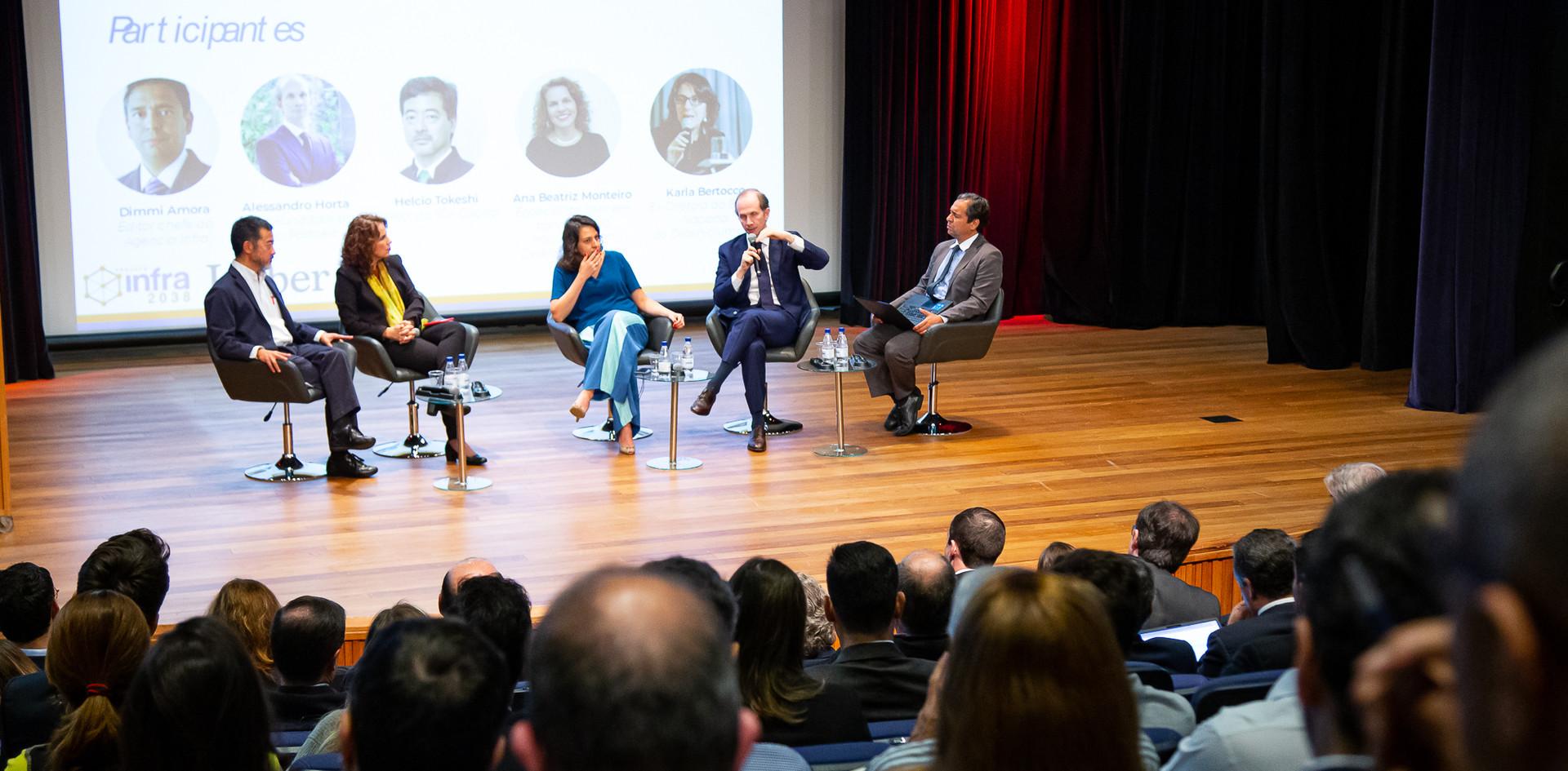 Participantes Mesa 02 - Regulação e Modelagem. Helcio Tokeshi, ana Beatriz Monteiro, Karla Bertocco , Alessandro Horta, Dimmi Amora