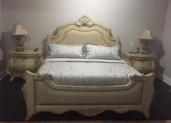 Luxurious Italian Bedroom Set