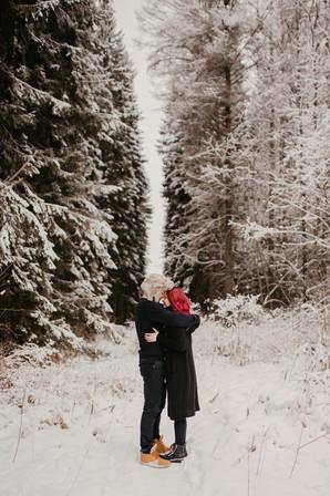 Pariskuntakuvaus, tampere, pirkanmaa, rakkauskuvaus, kihlakuvaus, miljöössä, parikuvaus, treffi-idea, talvinenkuvaus
