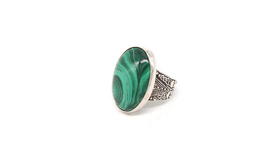 Oval Malachite ring with filigree band