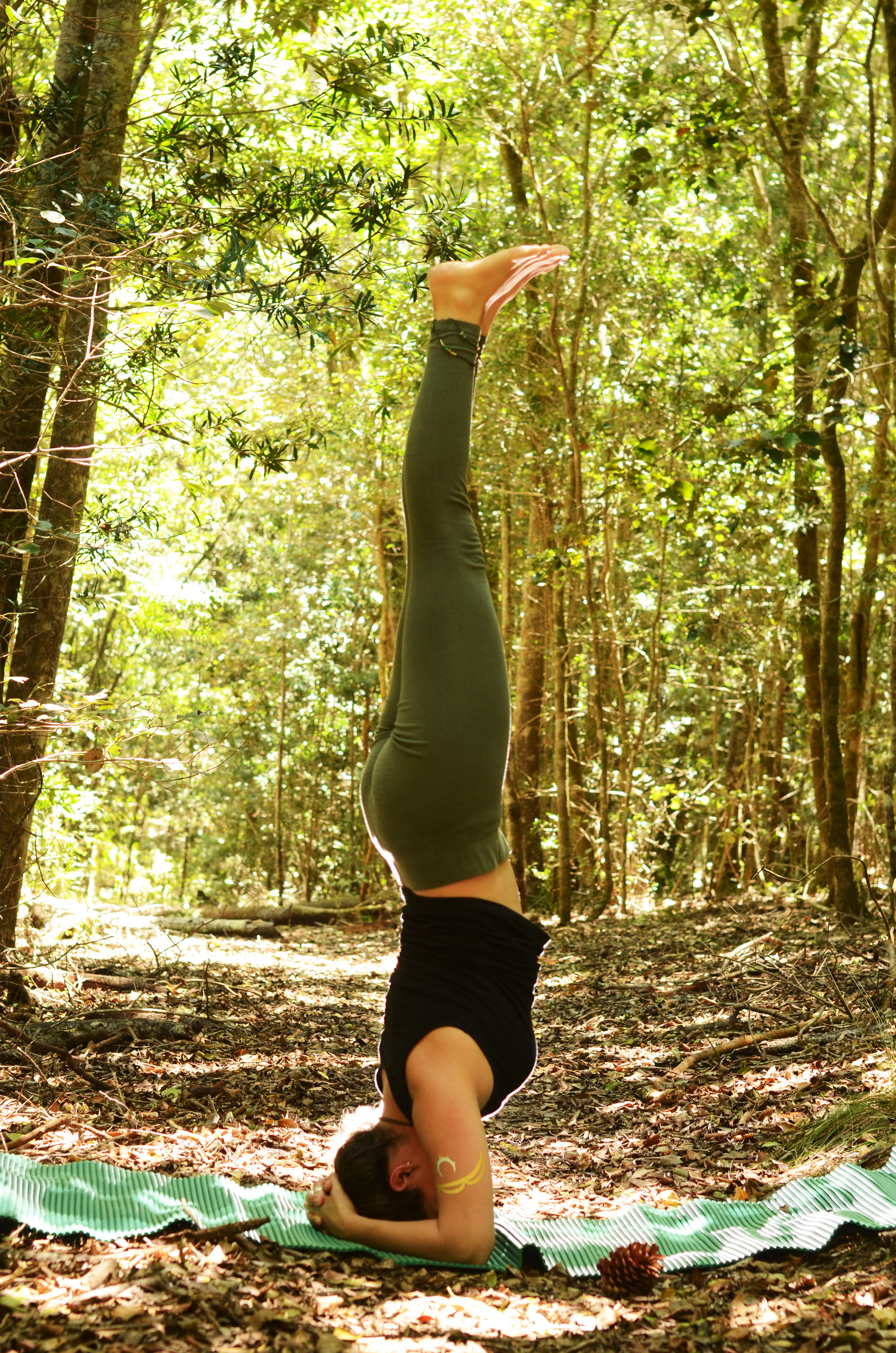 Sirshasana (Headstand)