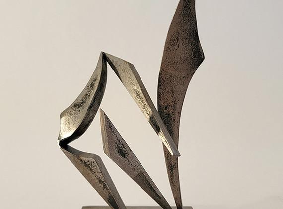 sculpture artist-john neumann-interaction-maquette-800pxl.jpg
