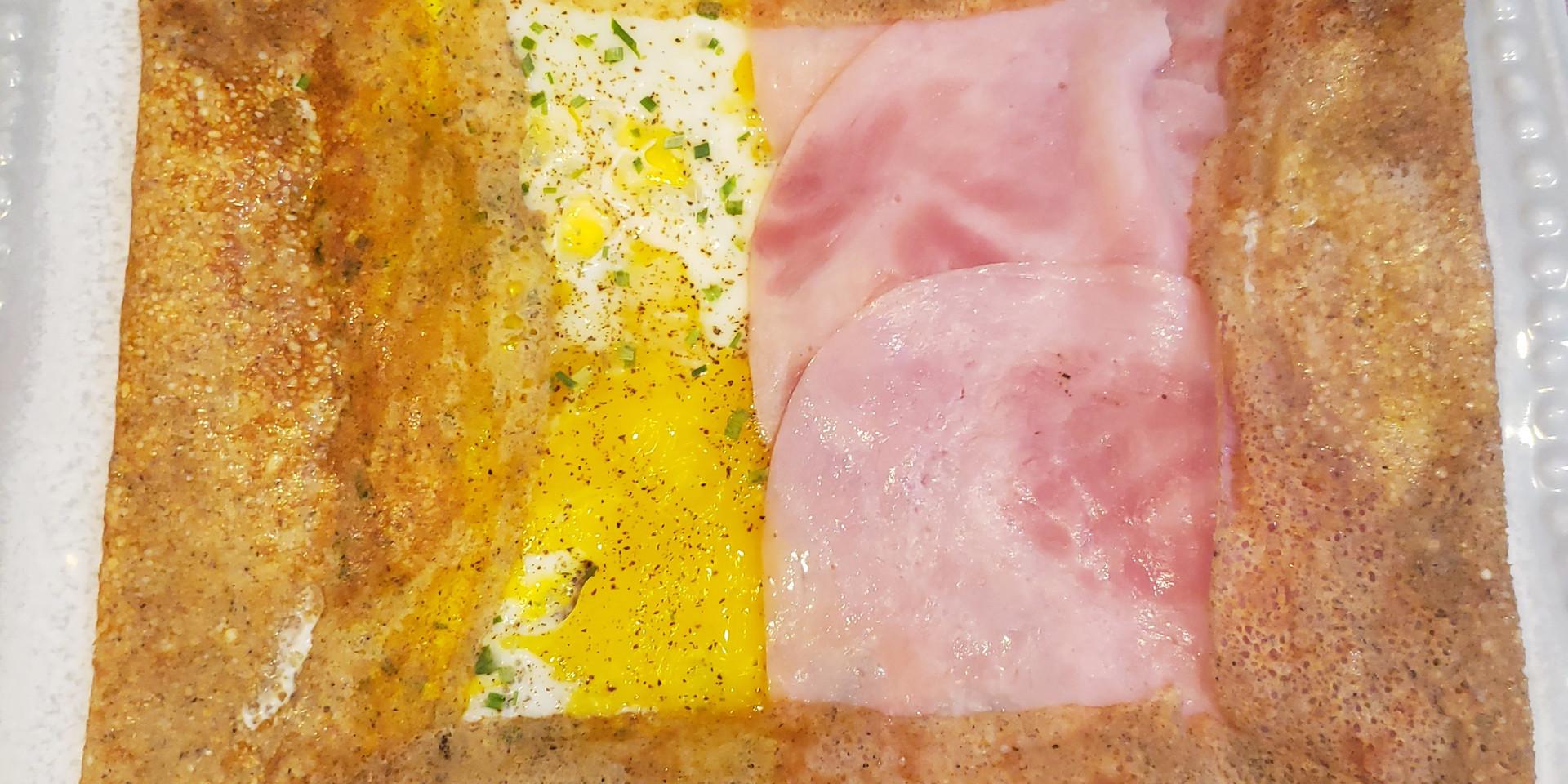 Eggs ham crepes
