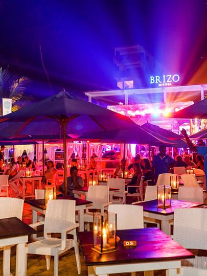 Brizo Mirissa - EAT . DRINK . SURF . . Contact - 077 999 7266/ 041 2 260966 for Reservations . . #salade #niçoise #cocktails #brizomirissa #mirissa #happyhour #srilanka #travelsrilanka #beach #restaurant #beachvibe #holiday #enjoy #peace #comfort #exclusive #eat #drink #surf #beachrestaurant #tarvel #seafood #tropical #cocktails #pizza #grill #losbter #prawn #calamari #beer #chill
