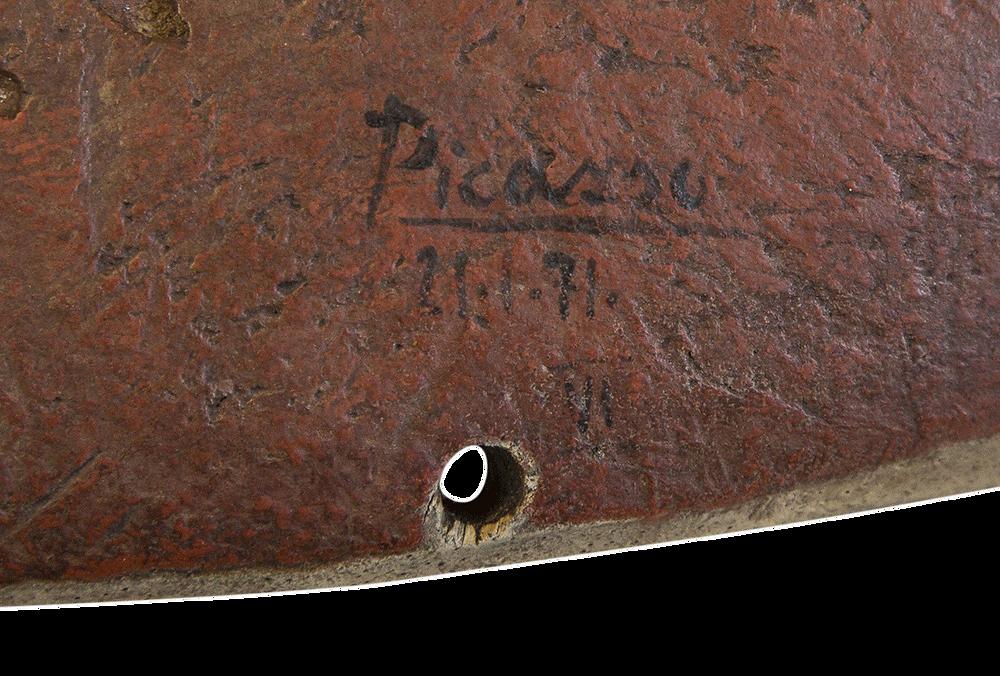 Signature Picasso sur un faux masque Pendé