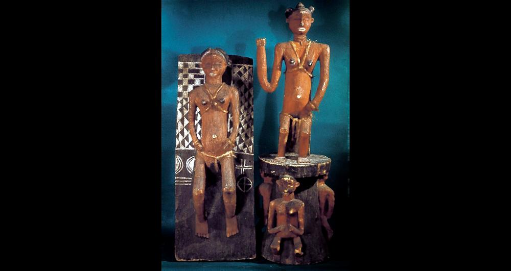 Pièce faîtière et panneau de porte. 1957. Crédit : L. de Sousberghe. SIRIS