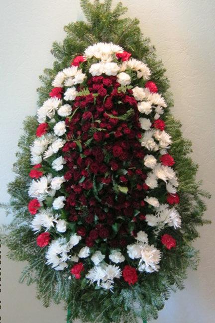 похоронный венок из живых цветов фото