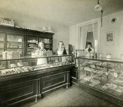 4 - Inside Baltes Store