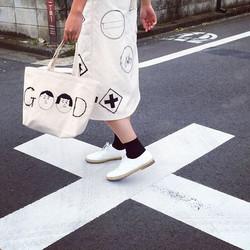 21〜「夏至展」参加します!!__表参道gallery como__今回はスカートに挑戦!どんな体型の方にも着ていただけるよう、巻きスカートを作りました☺️_その他バッグや日傘などのアイテムも検