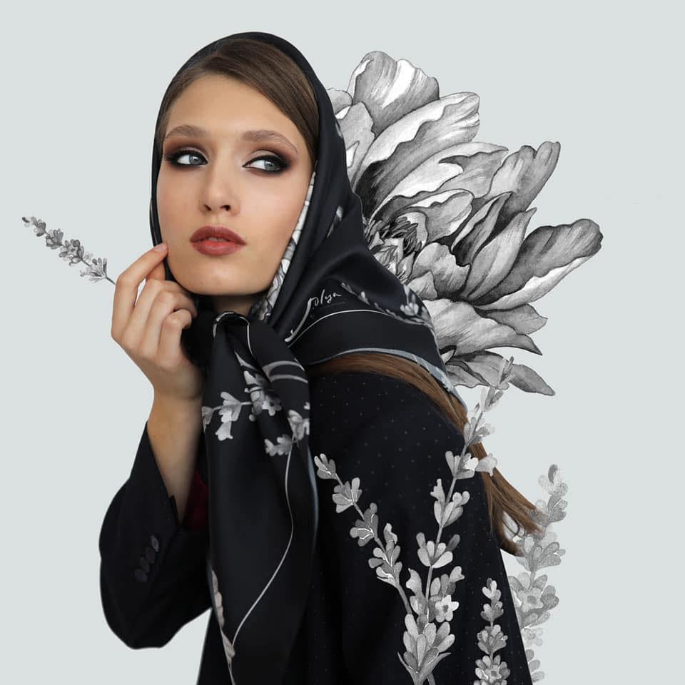 Украинский бренд эксклюзивных шелковых аксессуаров D.OLYA с авторскими принтами Ольги Дворянской ищет бренд-менеджера.