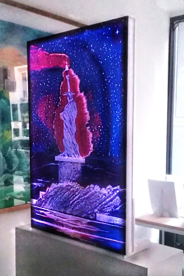 Standing-Free Canvas LED 21C Liberties