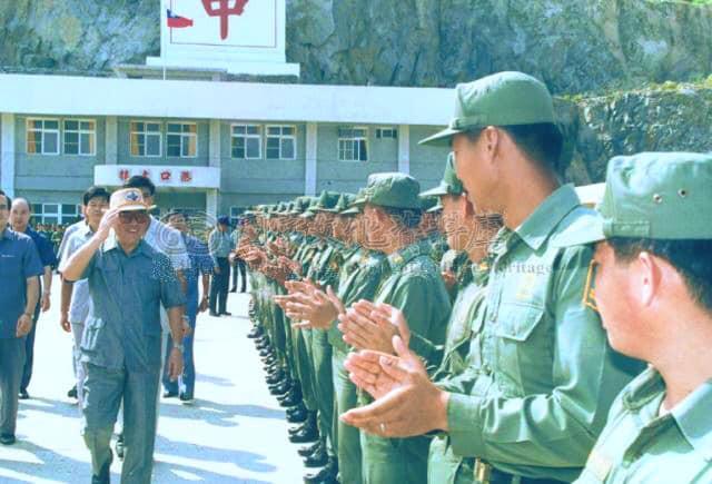 1992年郝院長慰勉東引駐軍