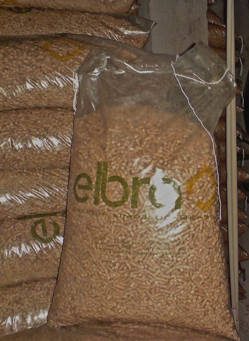 Pellets 100% madeira de pinus Elbra