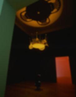 ANTIPODE, LYSRUM Statens Kunstfond på Charlottenborg, Copenhagen,1995  Plasticmøblement og teaterspot.