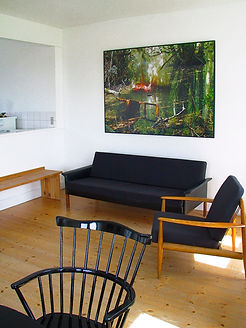 'All the Furniture'  Fotoserie,knyttet til videoværket: 'Allthe Choir of Heaven and Furniture of the Earth' 2002  Variable mål.