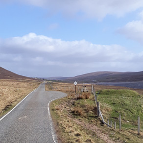 How to drive like a local on single track roads - driving in Shetland